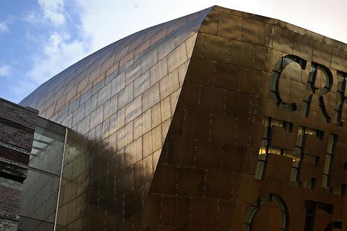 Brons fasad