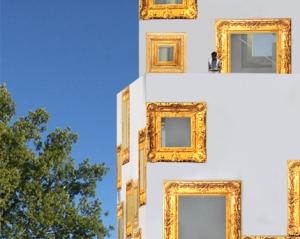 gyllene fönsterramar
