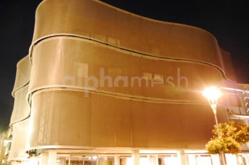 alphamesh- curtin wall facade pure gold