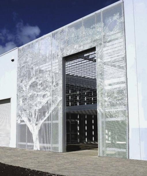 Dekorativ perforerad fasad